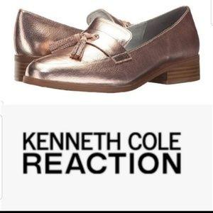 Kenneth Cole Rose Fold Jet Forward Tassel Loafers